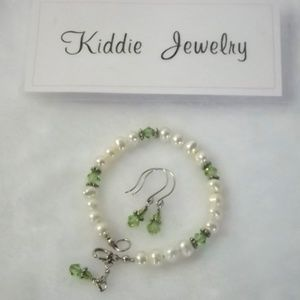 New! Heirloom Child's Pearl Bracelet & Earring Set